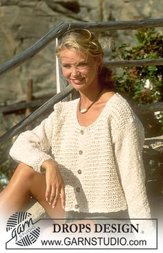 Ravelry: Jacket with texture in cotton-linen pattern by DROPS design Drops Design, Vintage Knitting, Free Knitting, Sweater Knitting Patterns, Crochet Patterns, Cardigans For Women, Cotton Linen, Knit Cardigan, Knitwear