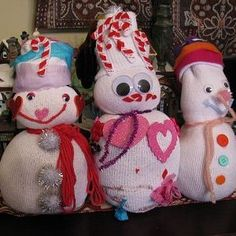 My kids have been so eager to make a snowman. We finally got a snowfall and we were all too sick to enjoy. In the meantime, they were able to make these easy sock snowmen! Pin It Materials: white athletic sock rice yarn googly eyes and other embellishments (felt, pom poms, buttons) Directions:...