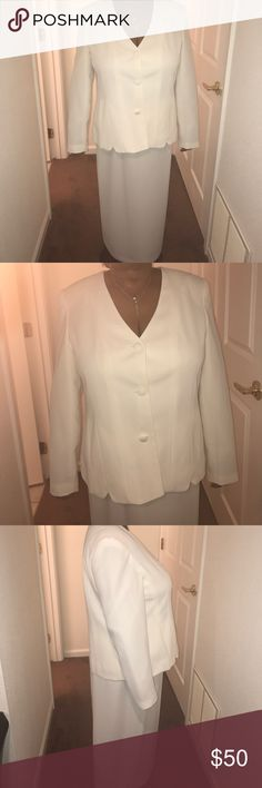 Women's 2-PIECE SUITE🎉🎉 Ivory women's suit with 3 buttons on the front; skirt has Zipper and button; worn once. The skirt has a design on it shown in picture. The top is a 18 and the skirt is a 16 Dresses