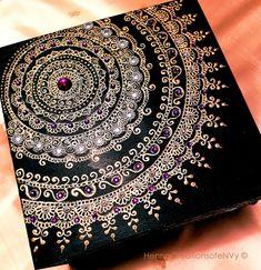 Henna/Mendhi Midnight Black Mandala Keepsake Jewelry Box, Hand- Painted with Gemstones. Graduation Cap Designs, Graduation Cap Decoration, Graduation Caps, Grad Cap, Graduation Pictures, College Graduation, Graduation Ideas, Motifs Islamiques, Henna Candles