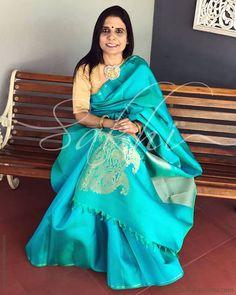 Get grandeur look in this elite Blue Pure Kanchivaram silk designed with big zari motifs. Silk Saree Kanchipuram, Chanderi Silk Saree, Indian Silk Sarees, Pure Silk Sarees, Saree Dress, Sari, Saree Wedding, Bridal Sarees, Saree Look