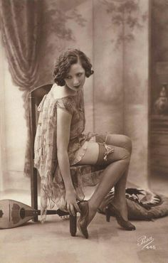 17 Ideas Photography Fashion Vintage Beauty For 2019 Pin Up Vintage, Photos Vintage, Vintage Photographs, Vintage Beauty, Vintage Fashion, 1920s Photos, Vintage Woman, Vintage Style, Burlesque Vintage