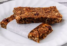 Some mornings you've just got to get up and get moving, so these Choc Almond Breakfast Bars will be a perfect breakfast option. Healthy Mummy Recipes, Healthy Prepared Meals, Baking Recipes, Healthy Snacks, Snack Recipes, Healthy Eating, Healthy Breakfasts, Brunch Recipes, Clean Eating Breakfast