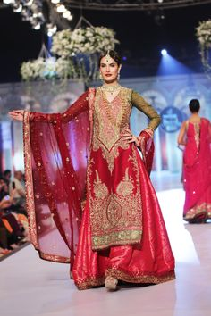 Lengha by Zaheer Abbas at PBCW 2014