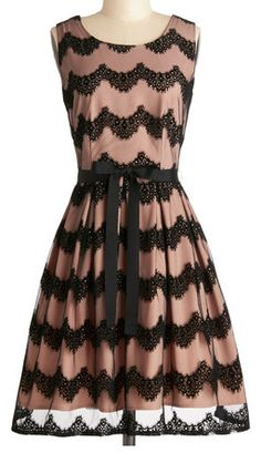 Darling Parisian inspired dress  http://rstyle.me/n/fqtbvnyg6