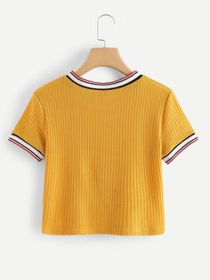 under wear – Gardening Tips Girls Fashion Clothes, Teen Fashion Outfits, Outfits For Teens, Trendy Outfits, Girl Outfits, Cute Crop Tops, Crop Top Shirts, Cute Shirts, Men Shirts