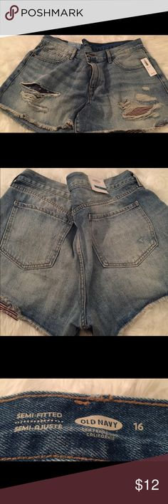 Old Navy denim shorts Old Navy distressed denim 5 pocket shorts with Stars and Stripes front pocket lining. Size 16, NWT Old Navy Shorts Jean Shorts