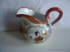 Jarrita de leche en porcelana china o de Japón- juego de café japonés- pintada a mano