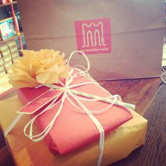 Wrapping Large Baby Gifts | Tags: brooklyn baby boutique, brooklyn baby gifts, free gift wrapping ...