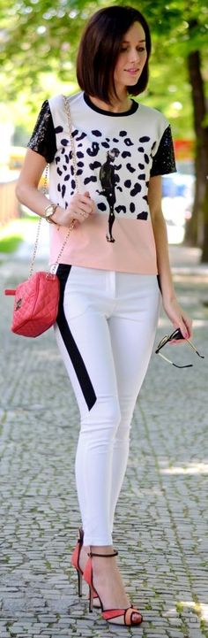 Romwe Coral White And Black Print Sequin Short Sleeve Tshirt Fashion 101, Fashion Pants, Love Fashion, Spring Fashion, Fashion Looks, Fashion Outfits, Fashion Wear, Spring Street Style, Street Chic