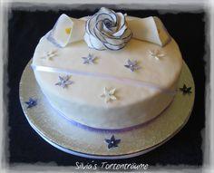 Silvia's Tortenträume: Hochzeit Hochzeitstag Rose lila flieder https://www.facebook.com/SilviasTortentraeume/photos/a.535960646504928.1073741837.525152320919094/555986737835652/?type=3&theater