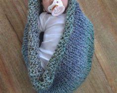 Hamaca de bebé. Prefecto de prop de la recién nacida fotografía.