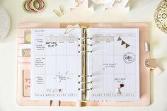 Printable Planner Kit 2018 (monthly , yearly, weekly) / Sofortdownload Set Planer Einlagen 2018 Dieses Set besteht aus einer Jahresübersicht auf 2 Seiten, Monatsübersichten auf 2 Seiten und einem Wochenplan von Jan-Dez auf je 2 Seiten. Wunderschöne, clean aussehende Einlagen ohne