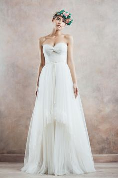 Take a look at the dreamy new wedding dress collection from Divine Atelier, filled with unique wedding dresses and eclectic styles. Wedding Dresses 2014, Bridal Dresses, Wedding Gowns, Romantic Dresses, Formal Dresses, Bridal Musings, Photomontage, Bridal Collection, Dress Collection