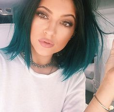 teal is a thing. it appears to be here to stay. so let's love the shit out of the bitches brave enough to jump on this train!
