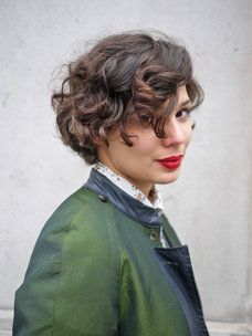 True Autumn (well, the lipstick and jacket at least) and I love the hair!!!!