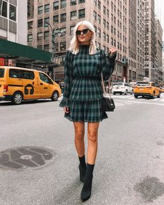 Sam Edelman The Oksana Pointed Toe Sock Bootie Is Perfectly Knitted - Stylst Trendy Outfits, Winter Outfits, Summer Outfits, Nyfw Style, Tartan Dress, Fashion 101, Autumn Winter Fashion, Winter Style, How To Wear
