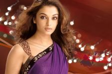 Aishwarya-Rai-Hot-Saree