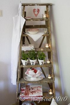 Vintage wooden ladders. Old ladder. Échelles en bois vintage. Escalera ideas.
