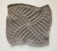 Ravelry: Tilt-A-Whirl Square pattern by Chris Simon. 12 inch square.  Free pattern.