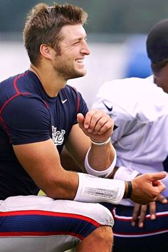 It was just announced that Tim Tebow has been released by the New England Patriots. So sad, thought this might be his year. I'm sure God has something else planned for you