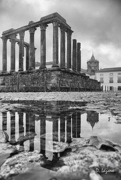 """Glimpse the past. Évora - Diana´s roman temple """"Portugal"""