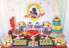 Little Wish Parties | Snow White First Birthday | https://littlewishparties.com