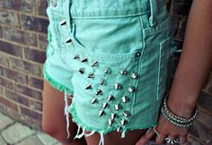 all-turquoise:    Like this? Visit all-turquoise.tumblr.com