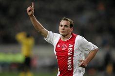 @Sneijder #9ine