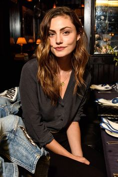 Phoebe Tonkin pictures and photos Phoebe Tonkin Hair, Phoebe Tonkin Photoshoot, Phoebe Tonkin Style, Phoebe Tonkin The Originals, Rikki H2o, Street Style Photography, Pretty People, Beautiful People, Natalie Portman