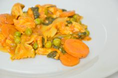 Farfalle with Chicken, Peas, Carrot and Spinach