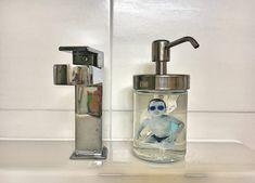 Ich bin Lisbeth. Gemeinsam mit Anni Soap Dispenser, Xmas, Vacation Pictures, Holiday Photos, Photo Kids, Crafts, Playing Games, Soap Dispenser Pump