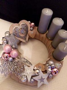 Christmas Advent Adventskranz Adventski vijenac Christmas Advent Wreath, Christmas Art, Diy And Crafts, Christmas Crafts, Christmas Decorations, Wreaths, Creative, Holiday, Christmas Ornaments