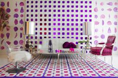 21 Rooms with Bold Wallpaper on The Study: The @1stdibs Blog | https://www.1stdibs.com/blogs/the-study/wallpaper/