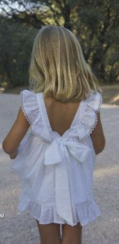 Vestido plumeti de Ancar, verano 2015 | Ropitas y más Little Girl Fashion, Little Girl Dresses, Kids Fashion, Girls Dresses, Flower Girl Dresses, Baby Sewing, Kids Wear, Baby Dress, Kids Outfits