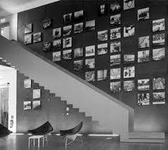 Oder wie wäre es mit einer so wundervollen Fotowand? Auf die Idee hat mich erst eine Freundin gebracht, da sie selbst sowas auch mit Polaroid Bildern machen will. Das stell ich mir irgendwie echt genial vor! Ich glaube wenn ich mein Zimmer wieder neu streiche und einrichte, dann wird vieles anders ;) Ich freu mich jetzt schon darauf! Ich habe irgendwie schon total die super Vorstellungen & hoffe natürlich diese auch wirklich umsetzten zu können :D