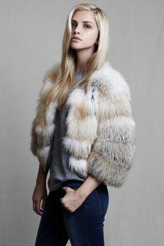 Lilly e Violetta jacket #lillyevioletta #fashion #fur #winter #outfits #luxury @lillyevioletta1