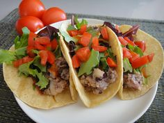 The Healthy Vegans: Potato Tacos, because potatoes are way better than meat! Healthy Diet Recipes, Raw Food Recipes, Vegetarian Recipes, Healthy Eating, Mexican Recipes, Dr Mcdougall Diet, Mcdougall Recipes, Plant Based Vegan Diet, Plant Based Eating