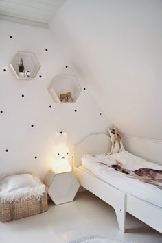 Hexagon shelves and spotty wall Toddler And Baby Room, Boy Toddler Bedroom, Childrens Bedroom Decor, Toddler Rooms, Girl Room, Girls Bedroom, Deco Design, Kid Spaces, Kids Decor