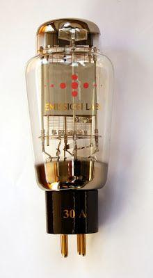 Officina Tron-audio Switzerland: L'amplificateur SE 300B-iS Officina Tron-audio Audiophile, Le Tube, Perfume Bottles, Perfume Bottle