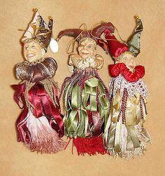 ~44BIN Katherines Collection Jester Tassel Set Set of 3