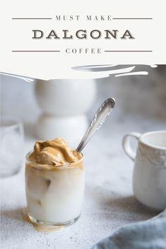 Dalgona Coffee rețeta simplă de cafea cremoasă cu lapte. Cereal, Pudding, Coffee, Breakfast, Desserts, Food, Flan, Kaffee, Postres