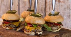 Burgers by Greek chef Akis Petretzikis! A quick, easy recipe for the best,softest and juiciest burgers ever! Find out my secret to making the perfect burger! Best Burger Recipe, Burger Recipes, Mince Dishes, Tasty Dishes, Burger Kitchen, Greek Cooking, Good Burger, Wrap Sandwiches, Fish Dishes