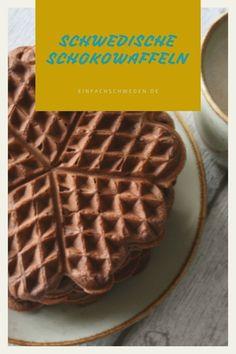 #Waffeln sind schnell mal gemacht und super lecker. Es gibt so viele #Rezepte, dass Du Dich nicht entscheiden kannst, welche Du als erstes machen sollst? In #Schweden gibt es sogar einen speziellen Waffeltag im März. Und von mir gibt es noch zwei Waffelrezepte dafür. #einfachschweden #schwedisch Fika, Super, Waffles, Breakfast, Party, Danish Cake, Bakken, Norwegian Cuisine, Swedish Cuisine