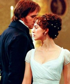 Fitzwilliam Darcy) & Keira Knightley (Elizabeth Bennet) - Pride & Prejudice directed by Joe Wright Elizabeth Bennet, Pride & Prejudice Movie, Little Dorrit, Image Film, Jane Austen Books, Matthew Macfadyen, Mr Darcy, Film Serie, Keira Knightley