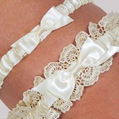 Eleanor Lace Ivory Wedding Garter Set from Wedding Favors Unlimited