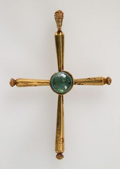 Pendant, Latin Cross. 6th century. (http://www.metmuseum.org/Collections/search-the-collections/170006137)