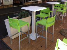 Mobilier restauration et hôtellerie : tabourets de bar design Divo - Sledge