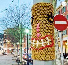 Las Teje y Maneje: yarnbombing