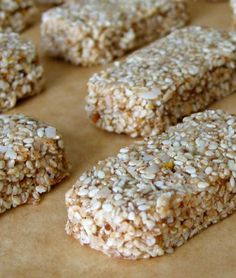 Gluten-Free Sesame Snack Bars -- love sesame, almond butter and honey. Healthy Bars, Healthy Desserts, Healthy Foods, Healthy Eating, Healthy Recipes, Gluten Free Sweets, Gluten Free Cooking, Whole Food Recipes, Snack Recipes